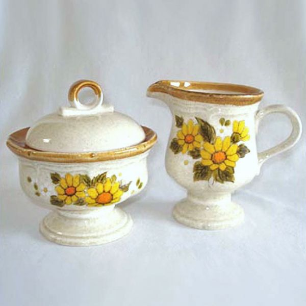 Mikasa Sunny Side Garden Club Creamer and Covered Sugar Set